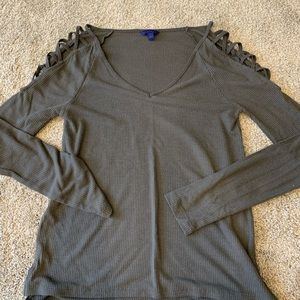 Adorable and soft shoulder cut out long sleeve